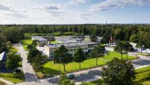 Das Hotel befindet sich in schöner Lage an der Marina in Vedbæk nördlich des Kopenhagener Stadtzentrums.