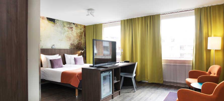 Hotellets rum är stora och modernt inredda med sängar från Carpe Diem, så här sover ni gott