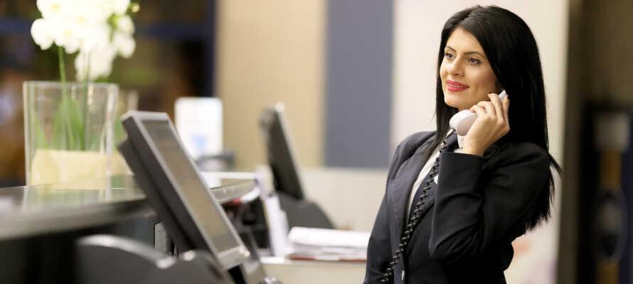 I receptionen står det venlige personale klar til at byde jer velkommen og assistere jer under opholdet.