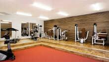 I hotellets eget moderne fitnessrum kan I træne med mange forskellige maskiner.