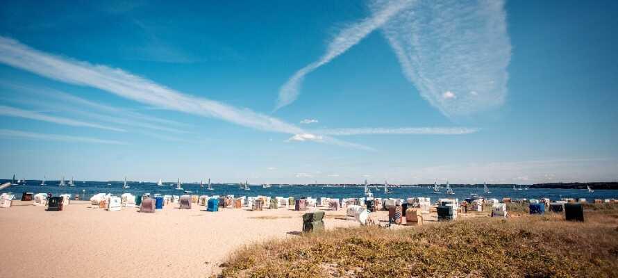 Tilbring nogle dejlige dage ved Østersøkystens hvide sandstrande, med masser af lækkert badevand og frisk sund havluft.