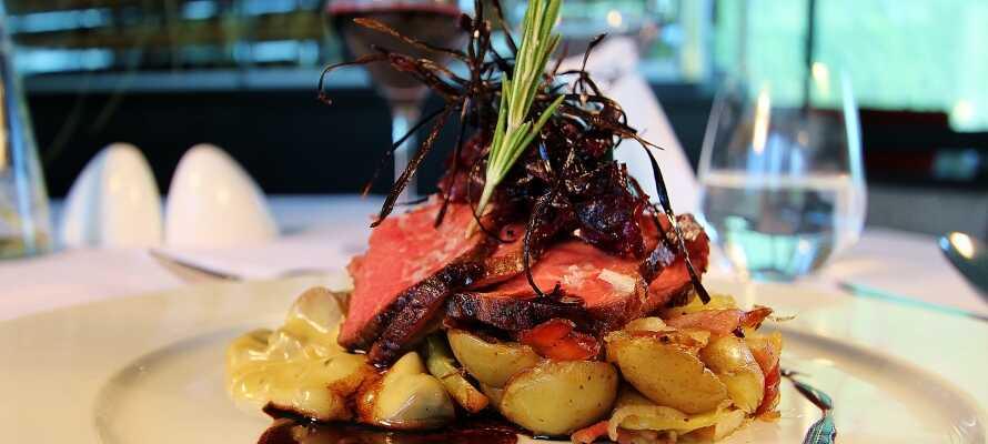 Unna er något gott att äta i restaurangen och testa en av de goda rätterna som serveras