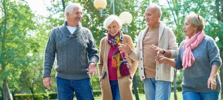 Åk på kör själv semester till Hjo med nära och kära, tillsammans med familj eller vänner.