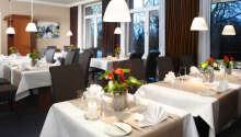 Restauranger serverar god mat och bjuder på en trevlig miljö.
