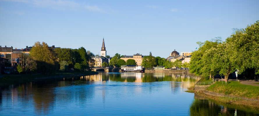 Machen Sie einen Ausflug in die wunderschöne Hauptstadt Karlstad, die viele Erlebnisse für die ganze Familie bietet.