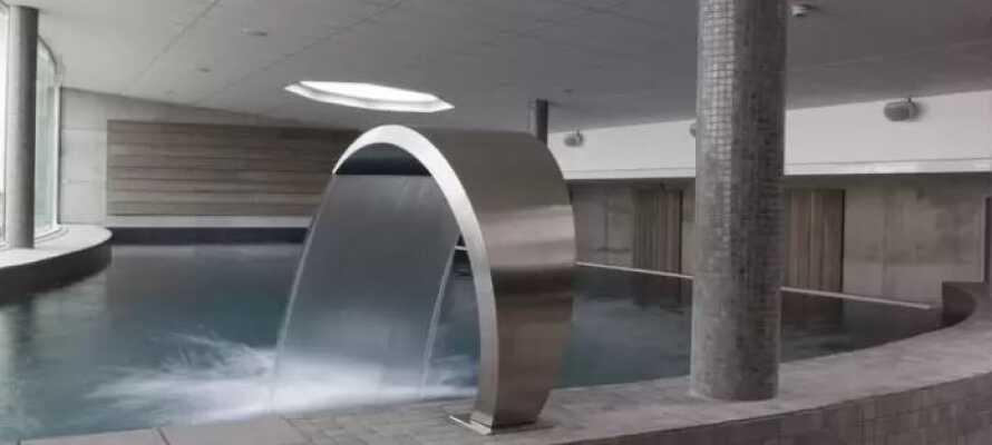 Hotellet har en tradisjonell badstue, et dampbad og et saltrom