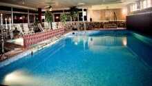 Hotellets gäster har fri tillgång till pool, bubbelpool, gym och bastu