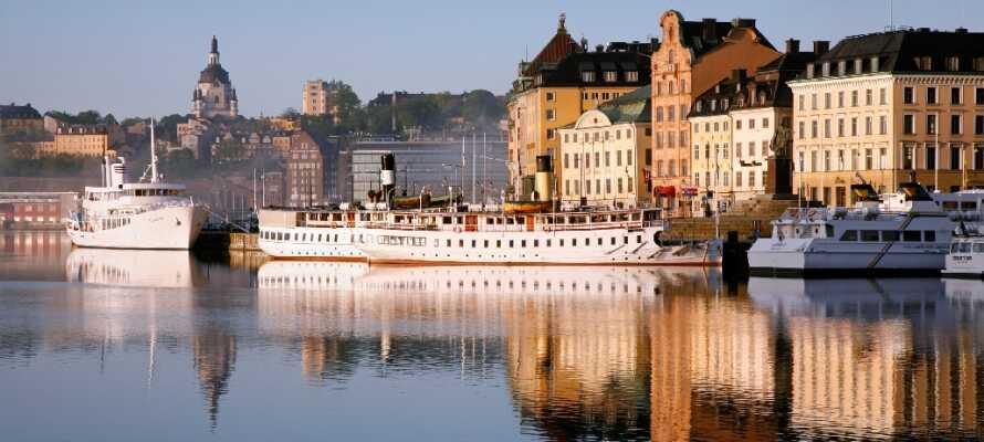Stikk innom Gamla Stan, den eldste bydelen i Stockholm. Her finner dere flotte restauranter og barer side om side med historiske monumenter og spennende gallerier.