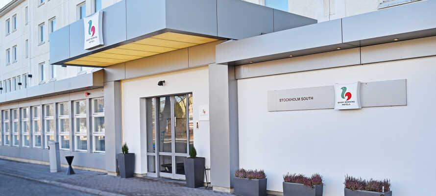 Hotellet har 206 rum som alla är rymliga och modernt inredda