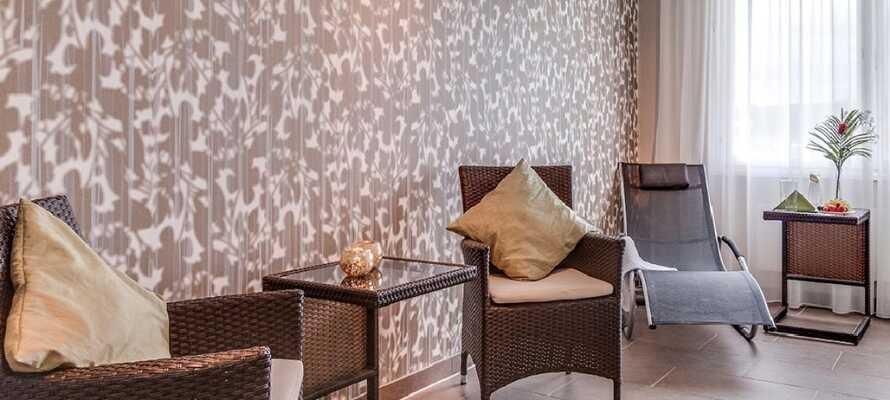 Njut av lugna stunder i hotellets relaxområde som både bjuder på bastu och motionsrum.