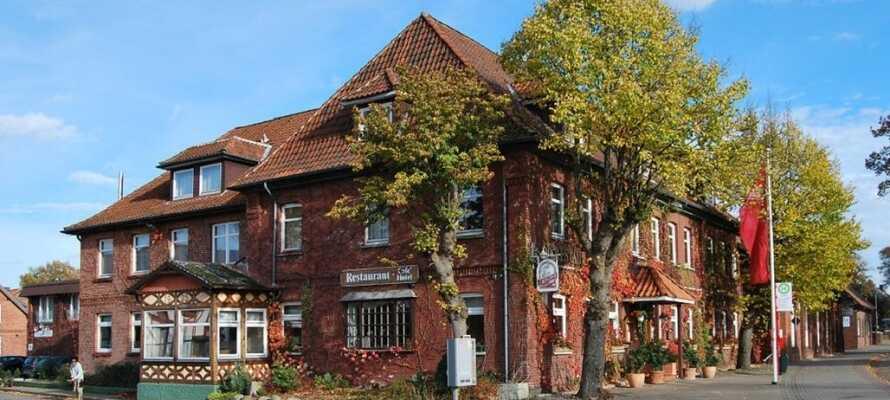Hotel Neetzer Hof ønsker dere velkommen til en rolig miniferie i kort avstand til historiske Lüneburg.