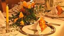 Spis middag på hotellet