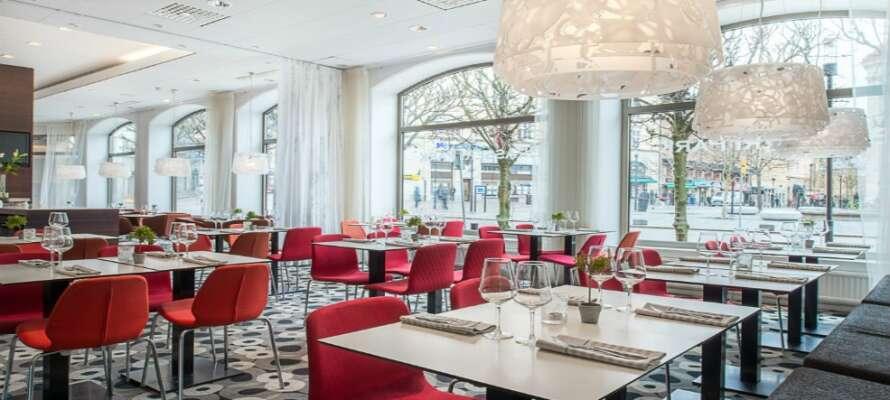 Ät gott under er weekend eller minisemester med inkluderad mat i hotellpaketet.