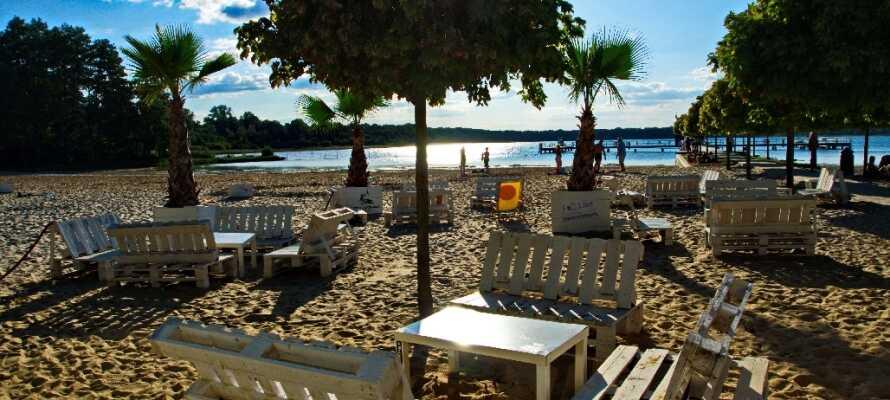 Litt nord for hotellet ligger den vakre stranden, Barracuda Beach, ut mot Neustädter See.