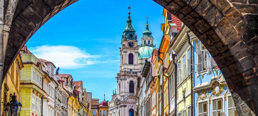 Hotel Duo ligger i et roligt kvarter i udkanten af Prag med metroforbindelse til midtbyen tæt på hotellet.