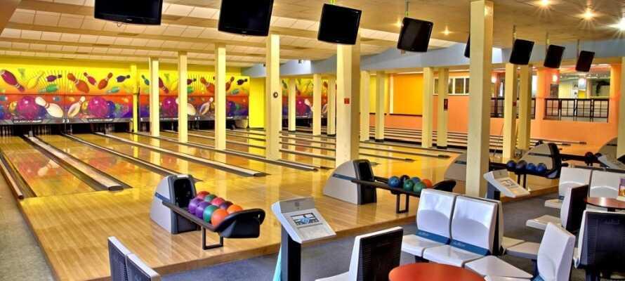 På Hotel Duo er der både et kasino samt mulighed for at spille bowling, billard eller dart.