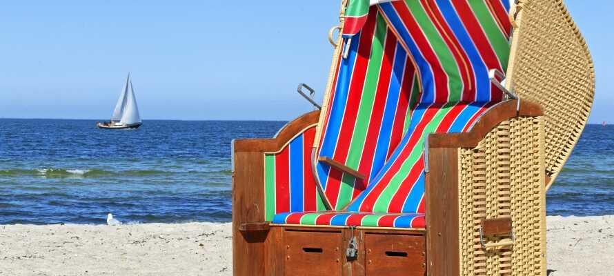 Bare 15 km. fra hotellet finder I de skønne østersøstrande, hvor det er oplagt at bade om sommeren.