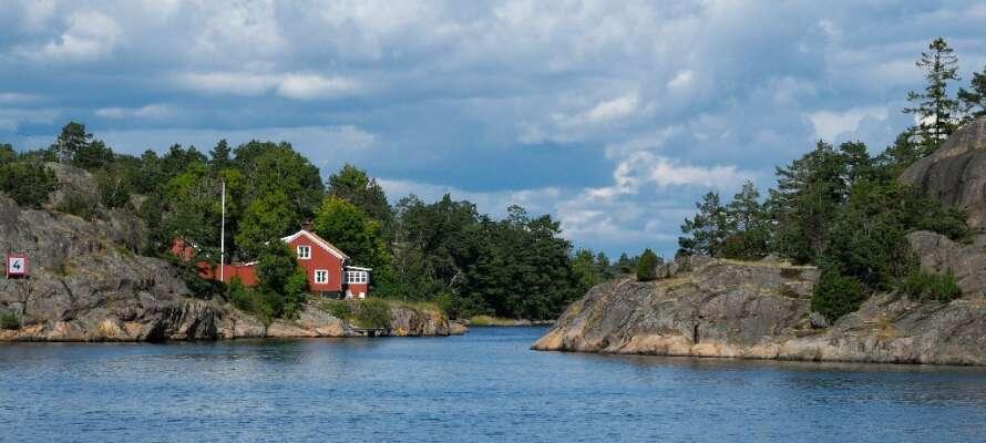 Västervik är en småländsk stad som sedan 1930-talet har varit ett populärt semesterresmål.