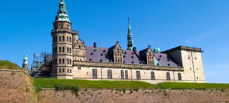 På Sjællands yderste spids ligger Kronborg Slot der er et af Nordeuropas mest betydningsfulde renæssanceslotte.