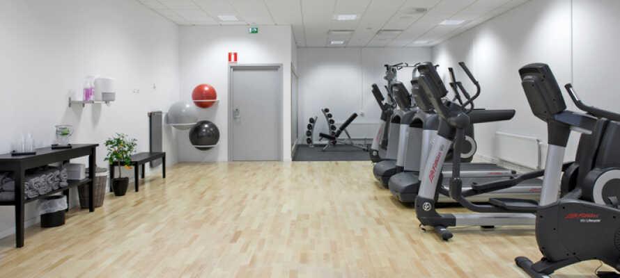 Under er vistelse har ni fri tillgång till hotellets gym och bastu