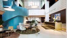 Det 4-stjernes hotellet er moderne innredet, og byr på høj komfort.