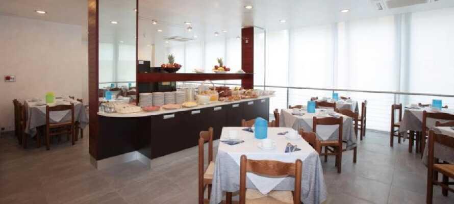 Start dagen med en god frokostbuffet i restauranten og lad opp til dagens opplevelser.