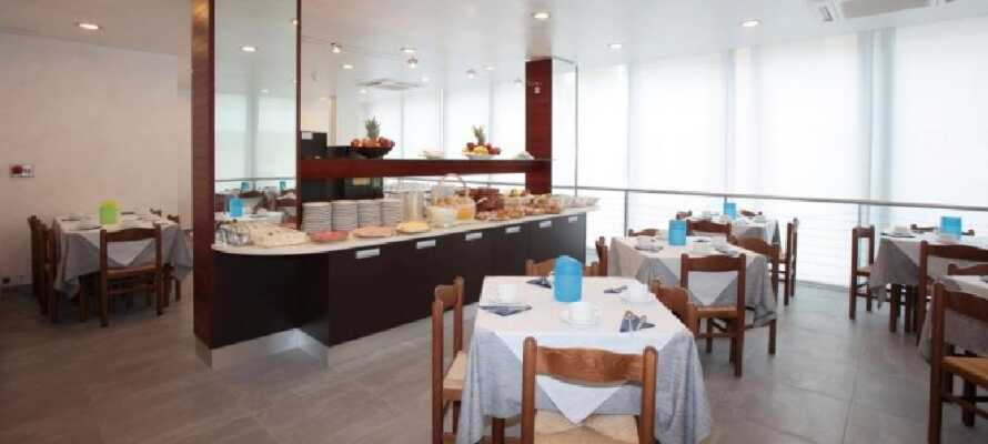 Start dagen med en god morgenbuffet i restauranten og lad op til dagens oplevelser.