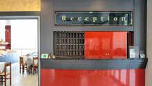 Personalen i receptionen kan ge tips om saker att se och göra i närområdet.