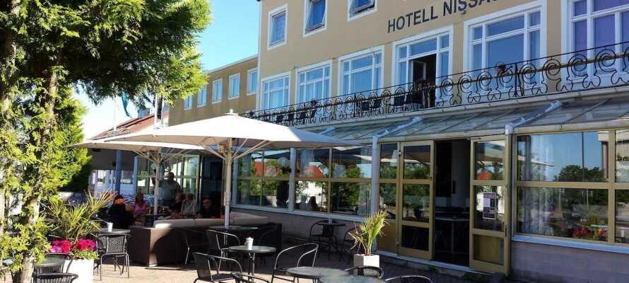 Tag på en shoppingtur til Ullared, som kun ligger en times kørsel fra hotellet.