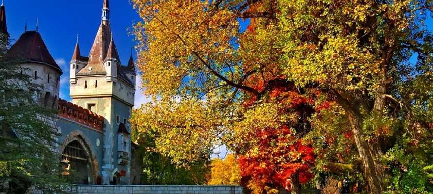 Budapest är fullt av vackra historiska byggnader som bjuder på fantastiska arkitekturupplevelser.