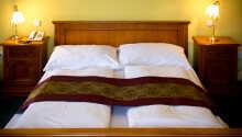 I hotellets trevliga restaurang kan ni äta frukost, lunch och middag.
