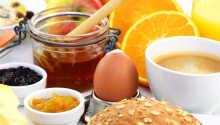 Hver morgen serveres en herlig omgang morgenmad, som giver jer en god start på dagen.