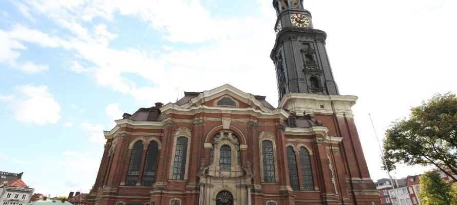 Når man er i nærheden, og skal ind til Hamburg, så må I ikke gå glip af St. Michaelis.