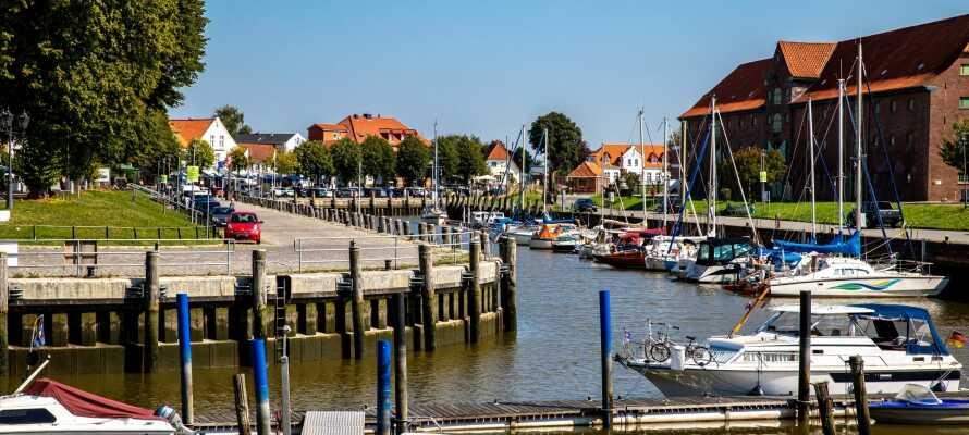 Havnebyen Tönning ligger kun en lille køretur fra Friedrichstadt.