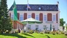 Hotel Holsteinisches Haus har en skøn placering i Friedrichstadt.