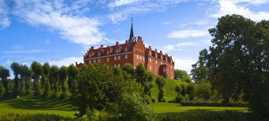Tranekær slott ligger bare 300 meter fra Tranekær slott.