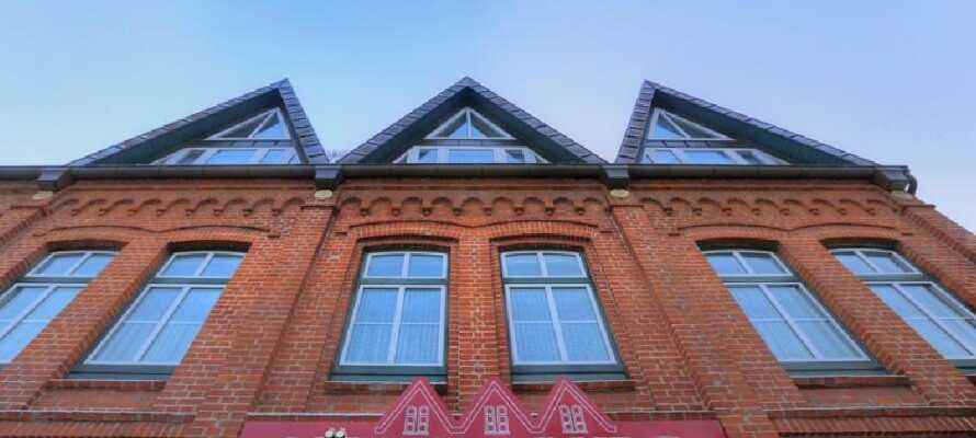 Det hyggelige Hotel Lüttje Burg har en central placering i den charmerende landsby, Lütjenburg.