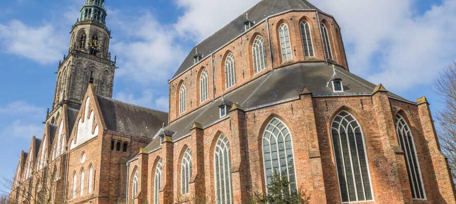 Steigen Sie die 260 Stufen im Turm der Martinikirche empor und genießen Sie die Aussicht über Groningen.