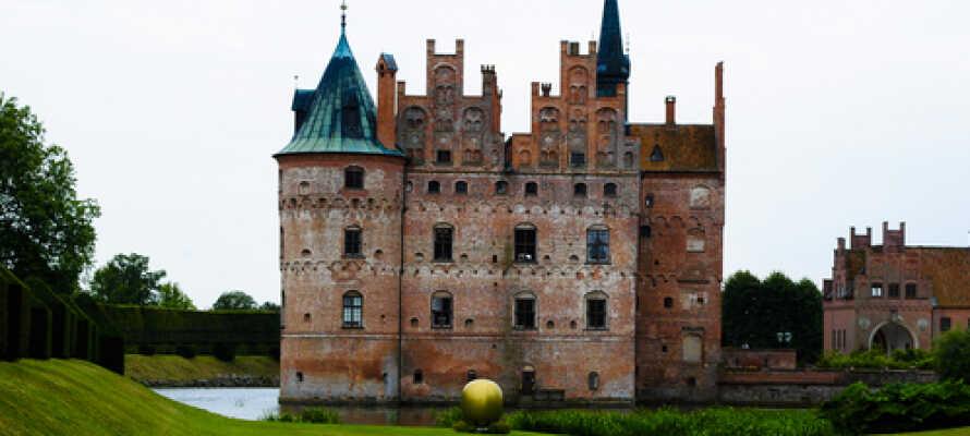 Das Schloss Egeskov ist ein absolutes Highlight von Odense und ist einen Besuch wert.