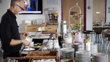 Das Frühstück wird täglich im Frühstückscafé serviert.