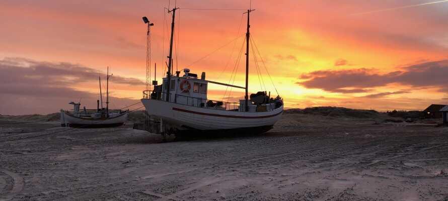 Opplev det vakre området rundt Jammerbugten, som absolutt ikke blir mindre vakker i solnedgangen