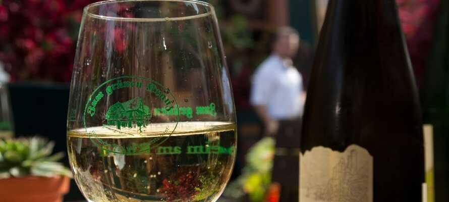 Hotellet har en egen vinkällare och vingård, så det finns möjligheter att köpa vin med hem.