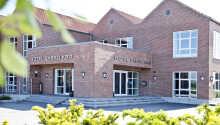 Hotellet är fint och lugnt beläget i den lilla staden Sabro på östra Jylland.