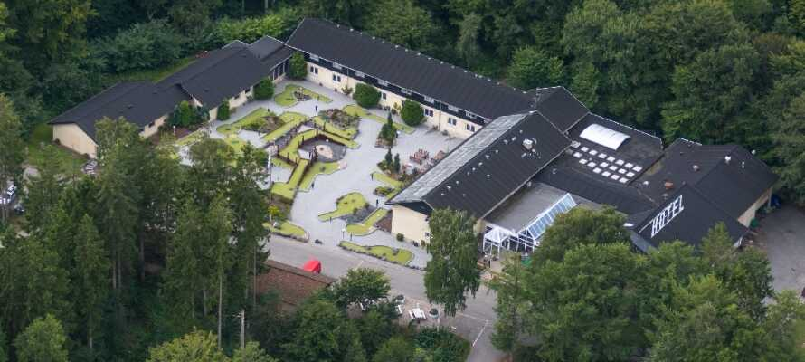 Rold StorKro ligger i dejlige grønne omgivelser ca. 30 km. syd for Aalborg.