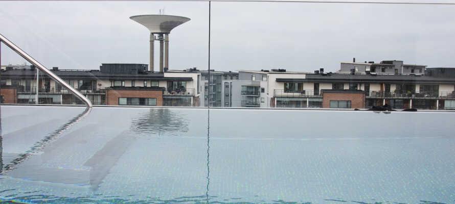 Avslapning og velvære med et fantastisk spa med mulighet for spabehandlinger og basseng på taket