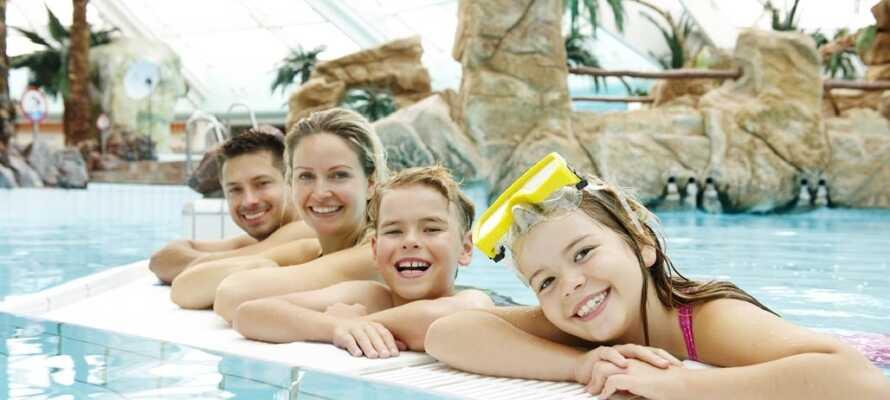 Familieferie med badeland, Monky Tonky legeland, minigolf, bowlingcenter, Winter World, klatrevæg og meget mere.