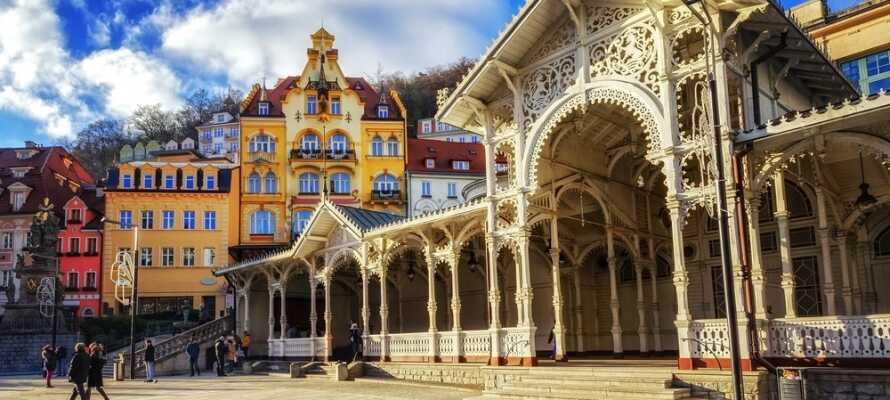 Verpassen Sie nicht einen Ausflug nach die Kurstadt Karlsbad mit den vielen heißen Quellen.