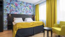 Værelserne er praktisk indrettet, og tilbyder farverige omgivelser.