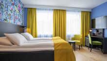 Ein Beispiel für eines der Standard-Doppelzimmer des Hotels.