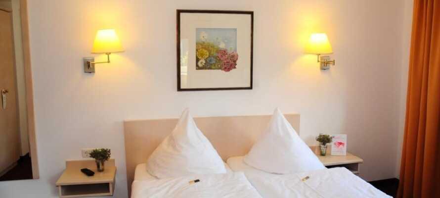 Hotellet har en god beliggenhed i rolige omgivelser og herfra kan I let tage ind til den travle storby, Hamburg.